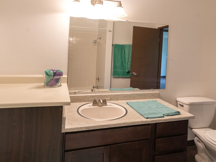 Tempo West | One Bedroom Bathroom
