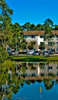 Willow Creek Apartments| Lake View