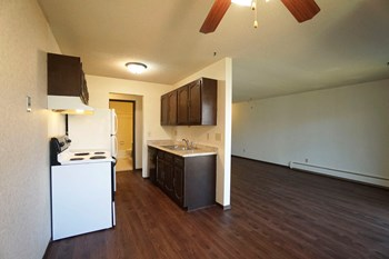 110 W. Thompson Ave. 1-2 Beds Apartment for Rent Photo Gallery 1
