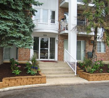 110 & 120 W. Thompson Ave. 1 Bed Apartment for Rent Photo Gallery 1