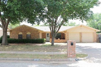 4722 James Street 4 Beds House for Rent Photo Gallery 1