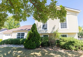 405 Northwest Chapel Drive 3 Beds House for Rent Photo Gallery 1