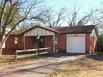 4109 Mustang Street 3 Beds House for Rent Photo Gallery 1