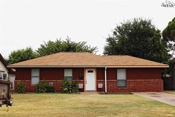 2939 Stearns Avenue 3 Beds House for Rent Photo Gallery 1