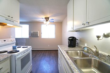 1988 Brewster St Studio-2 Beds Apartment for Rent Photo Gallery 1