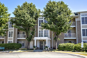 825 N Cotner Blvd 1 Bed Apartment for Rent Photo Gallery 1