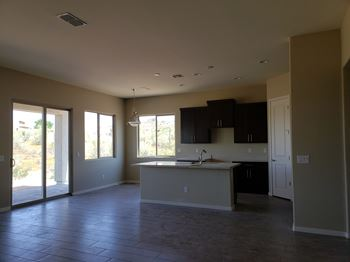1520 East Wildfield Road 3 Beds House for Rent Photo Gallery 1