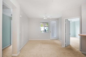 6710 Variel Ave Studio-2 Beds Apartment for Rent Photo Gallery 1