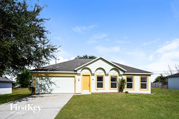 2788 Beal St 4 Beds House for Rent Photo Gallery 1