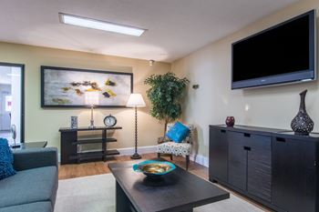 510 S Shelby Street Studio-2 Beds Apartment for Rent Photo Gallery 1