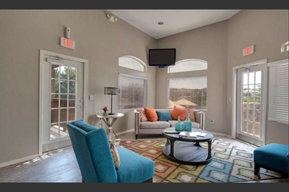 Cuestas Apartment Homes 2800 N Roadrunner Pkwy Las Cruces Nm Rentcafe