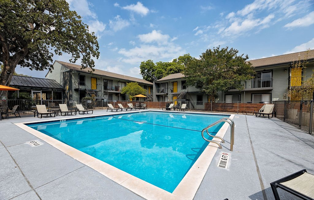 apartments on manchaca with a pool
