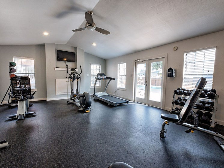 south austin apartments with a fitness center