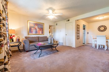 533 North Somerset Terrace 1-2 Beds Apartment for Rent Photo Gallery 1