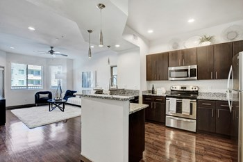 25 Best Luxury Apartments In Las Vegas Nv With Photos Rentcafe