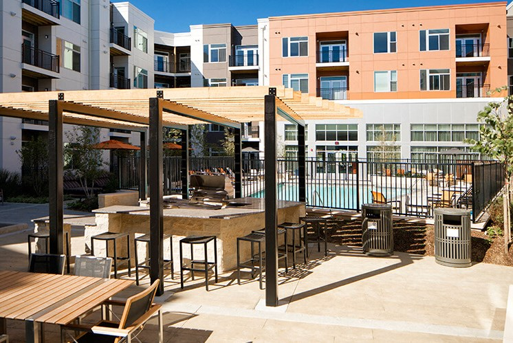 Poolside Sundeck And Grilling Area at Indigo 301, King of Prussia, PA