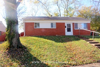 118 Oak St 3 Beds House for Rent Photo Gallery 1