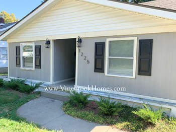 1225 S Main St 2 Beds House for Rent Photo Gallery 1