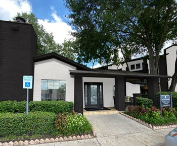 6830 Champions Plaza Dr 1-2 Beds Apartment for Rent Photo Gallery 1