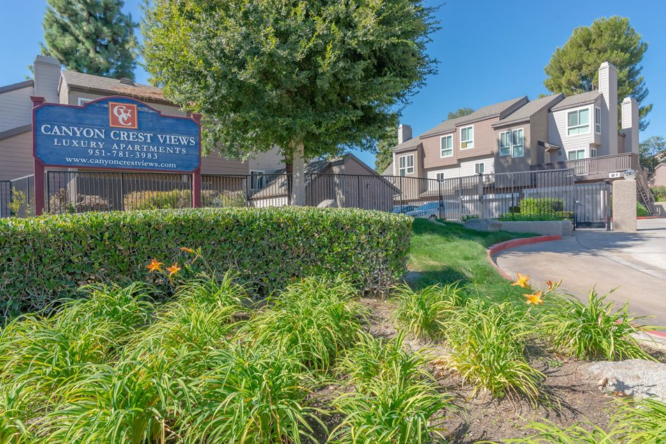 Photos and Video of Canyon Crest Views Apartments in ...
