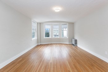 2222 Leavenworth Street Studio-2 Beds Apartment for Rent Photo Gallery 1