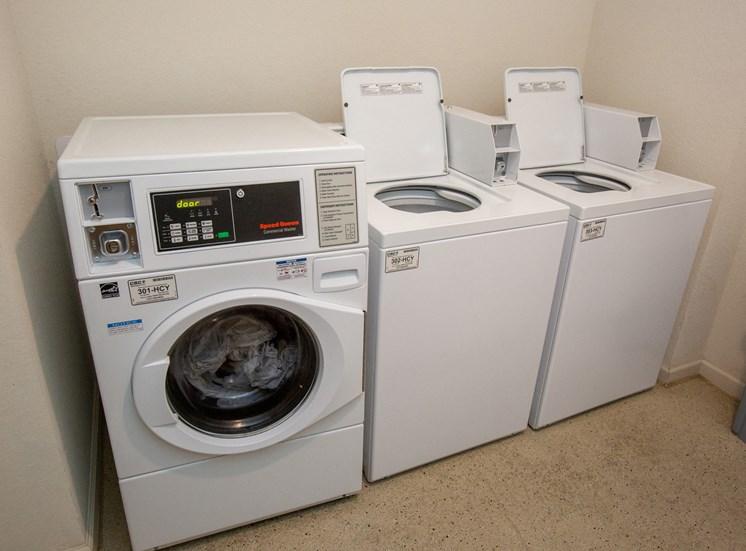 Walton Ridge Apartment Homes Community Laundry Room