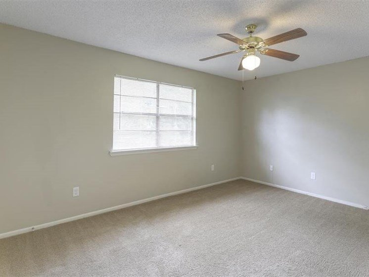 1 & 2 bedroom apartments available in Baton Rouge LA