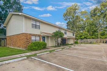 10920 Airline Highway 1-2 Beds Apartment for Rent Photo Gallery 1