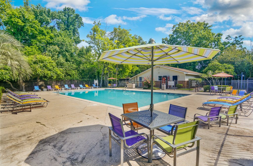 Pool at Dove Creek Apartments Baton Rouge Louisiana