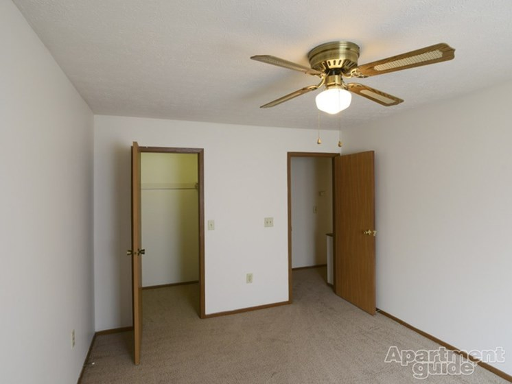 Bedroom With Attached  Closet at Ashley Village Apartments, Ohio, 43232