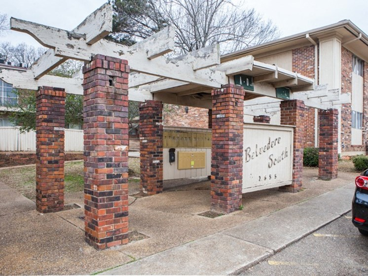 Apartment Entrance at Belvedere Cove Apartments, Jackson, Mississippi