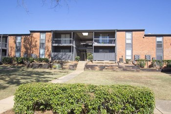 600 Northpointe Pky. 1-2 Beds Apartment for Rent Photo Gallery 1
