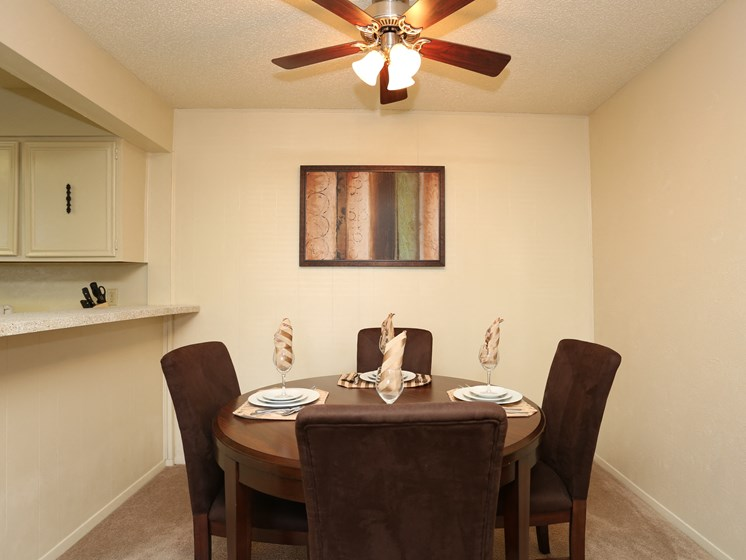 Artistic Finished Dining Room at Towne Oaks Apartments, Little Rock, 72227
