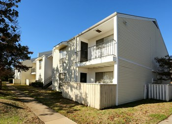 9300 Treasure Hill Rd. 3 Beds Apartment for Rent Photo Gallery 1
