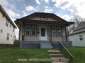 495 Southwood Ave 2 Beds House for Rent Photo Gallery 1