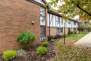 3320 Cromer Ave NW 1 Bed Apartment for Rent Photo Gallery 1