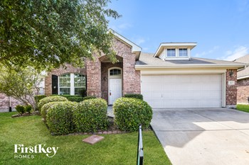 423 Hackberry Dr 3 Beds House for Rent Photo Gallery 1