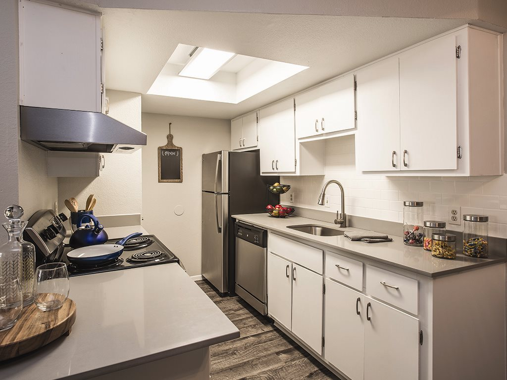 White kitchen at Cala Paradise Valley Apartments in Phoenix
