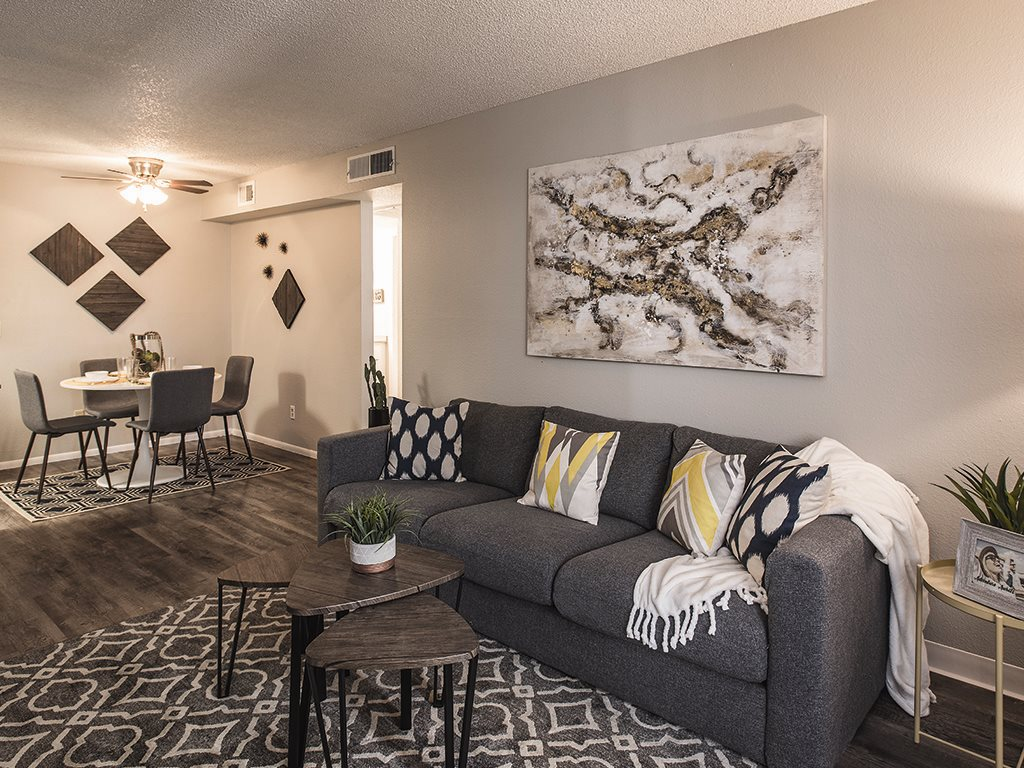 Living space at Cala Paradise Valley Apartments in Phoenix