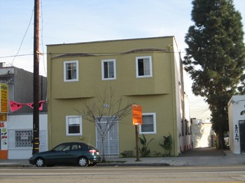 1818 N. Broadway Ave. Studio Apartment for Rent Photo Gallery 1