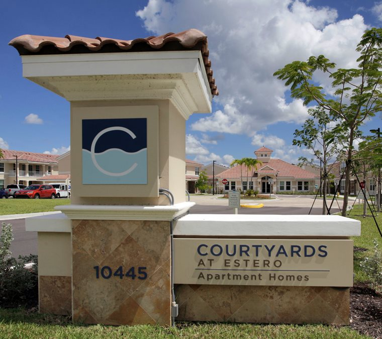 Courtyards at Estero | Monument Sign