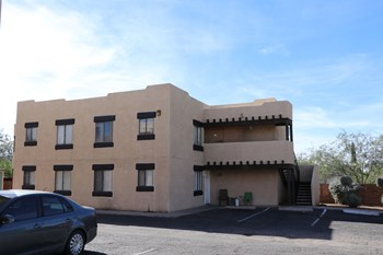 5110 E Bellevue St #101-110 #201-210 2 Beds Apartment for Rent Photo Gallery 1