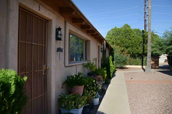 3668 Belmar Ave #1-10 1 Bed Apartment for Rent Photo Gallery 1