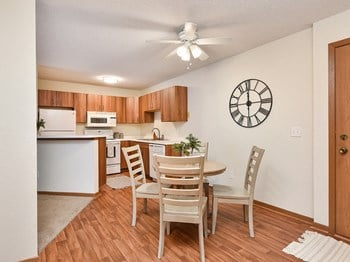 275 Shelard Pkwy 1-2 Beds Apartment for Rent Photo Gallery 1