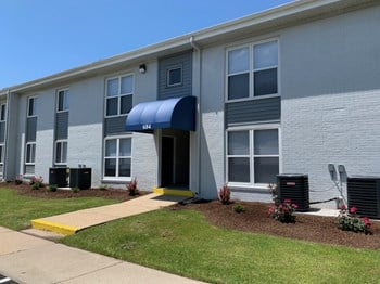 621 Adams Dr 2 Beds Apartment for Rent Photo Gallery 1