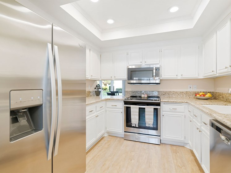 Fully Equipped Kitchen With Modern Appliances at Westmont Village, Riverside, CA, 92518