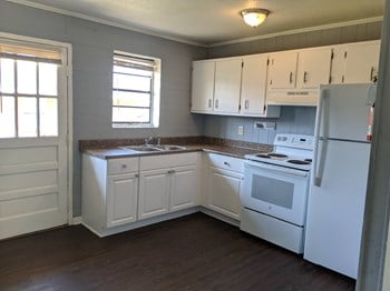 215 Best Street 2-3 Beds Apartment for Rent Photo Gallery 1