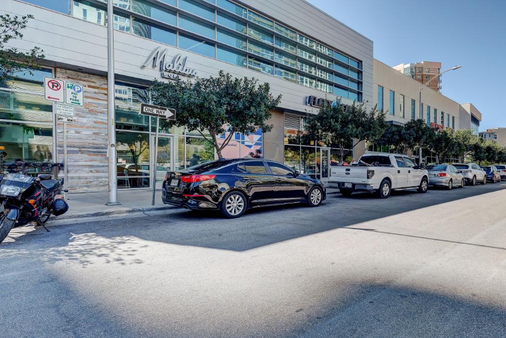 Walking distance retail - Malibu, Flex Feet, Trader Joe's street view