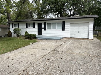 1350 S Waterford Dr 3 Beds House for Rent Photo Gallery 1