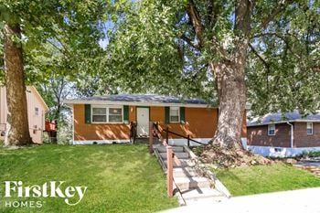 4806 N White Ave 3 Beds House for Rent Photo Gallery 1